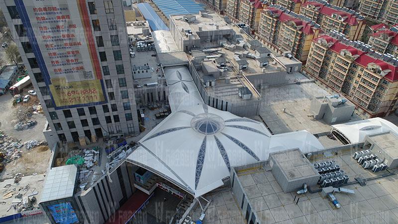 新泰卓越·财富广场膜结构项目竣工