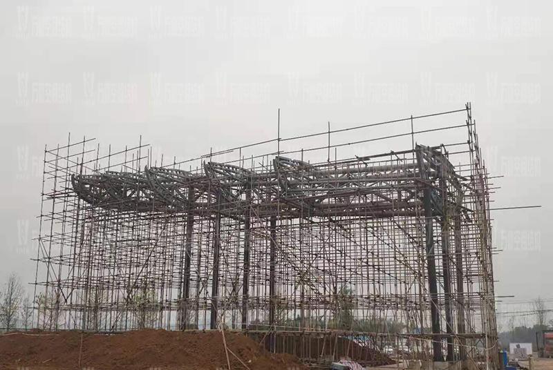 四川南充电影学院景观膜结构工程吊装中
