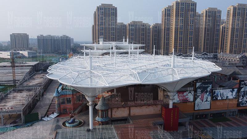 山东聊城万达小镇七彩祥云PTFE膜结构项目