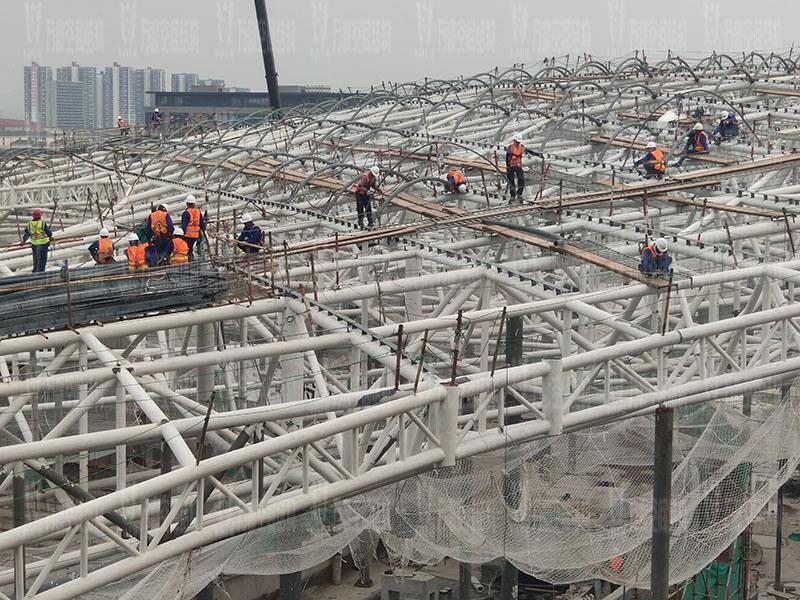 杭州亚运会棒(垒)球体育文化中心膜结构项目钢结构安装中