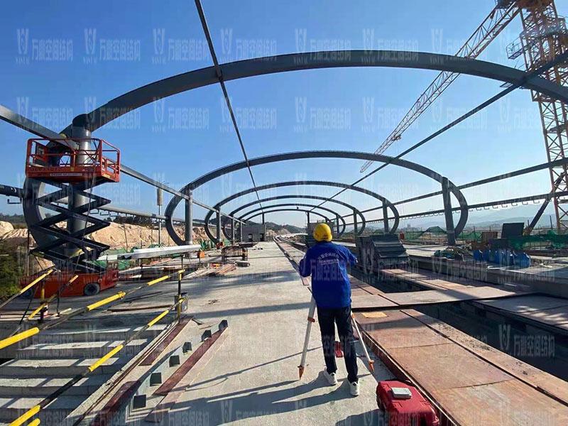 清远磁悬浮项目莲湖车站钢-膜结构工程钢结构接近尾声