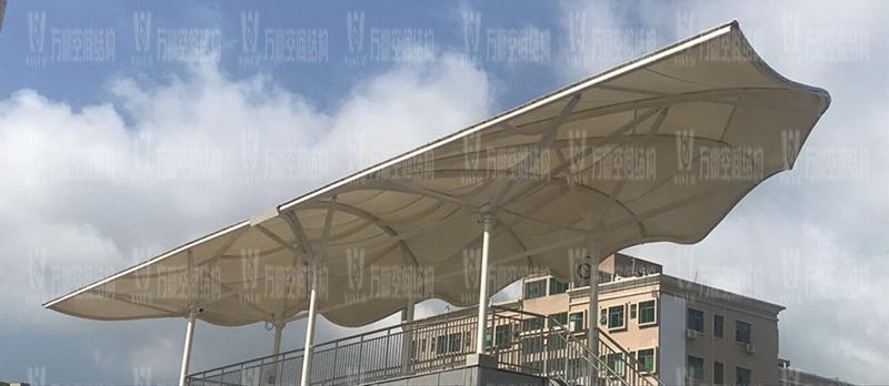 膜结构雨棚遮阳棚有哪些优势?雨棚遮阳棚为什么选膜结构材料?
