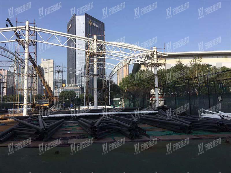宁波(鄞州)网球中心遮阳棚膜结构工程二期项目施工中
