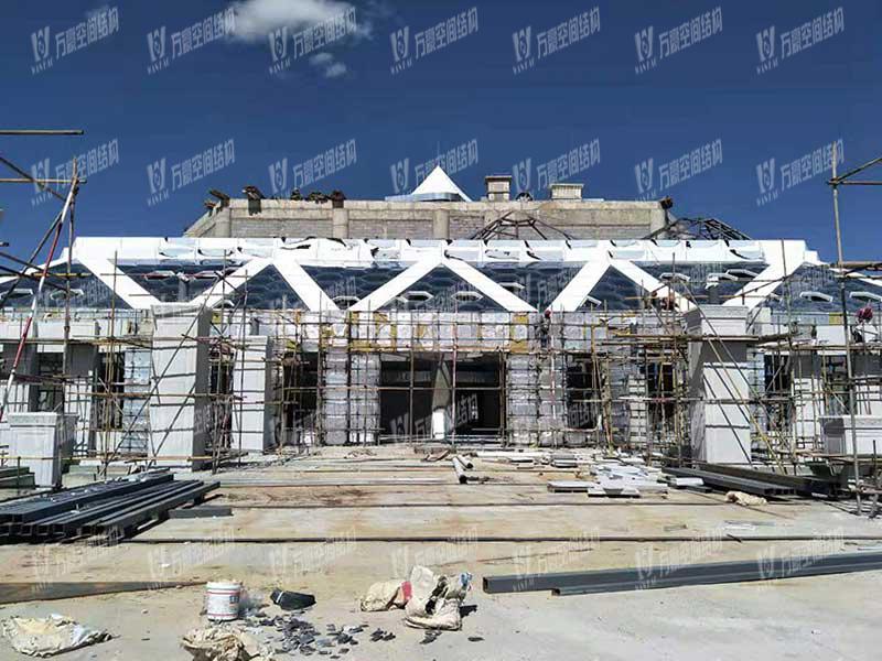 青海茶卡盐湖天空之境集散中心钢膜结构项目竣工